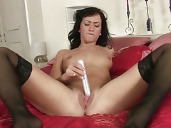 Tess Lyndon toy bonks her soaking moist cunt