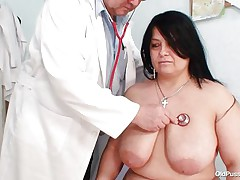 Chubby brunette Rosana went to doctor's to get her body checked up well. But there is this naughty pervert doctor who makes her naked and begins playing with her firm chunky body! Watch how he is toying with her huge breasts and gaping her pussy. He even fingers it to make her sexually excited so that he can screw her well!