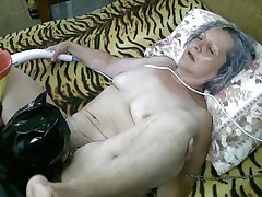 Bianca's slit may be old but it still needs some licking and fucking. Luckily this playgirl has this man to solve that problem and this man licks it under the strict surveillance of a young chick. After licking it this man bonks that saggy wet crack hard and deep, how knows, maybe seeing so hard action the chick will join 'em also