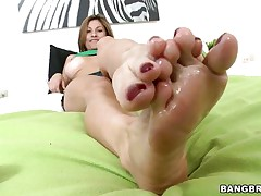 Lisa X is one wonderful woman from head to toe. Gorgeous Eyes, sweet big tits, lean legs, a nice, round ass, and one yummy-looking pussy! The star this day is her feet, however, and she's getting 'em lubed up to take a cock betwixt 'em and make her dude cum! If she's this good with her feet, then....