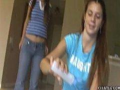 Teen Jerks her neighbor whilst her friend laughs