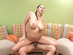 Large scones Gianna Michaels rides her man